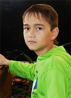 Раян Давлетбаев, 15 лет, амелобластома – доброкачественная опухоль нижней челюсти, спасет операция, требуются титановые пластины. 44137 руб.