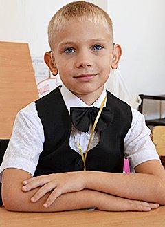 Захар Троян, 10 лет, сенсоневральная тугоухость 4 степени, требуются слуховые аппараты. 232388 руб.