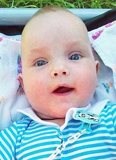 Вадим Степанов, 5 месяцев, деформация черепа, требуется лечение специальными шлемами. 180000 руб.