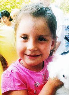 Кира Федорова, 6 лет, сахарный диабет 1-го типа, требуются расходные материалы к инсулиновой помпе. 133675 руб.