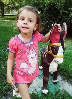 Настя Быкадорова, 6 лет, детский церебральный паралич, требуется лечение. 199430 руб.