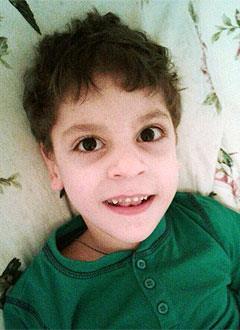 Артем Бжахов, 6 лет, детский церебральный паралич, эпилепсия, требуется инвалидная коляска. 311721 руб.