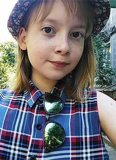 Арина Попова, 13 лет, папиллярный рак щитовидной железы, требуется курс радиойодтерапии. 131990 руб.