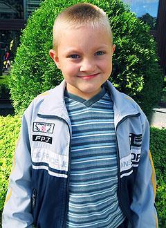 Саша Слабунов, 7 лет, расщелина альвеолярного отростка, требуется операция и ортодонтическое лечение. 585000 руб.