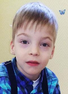 Егор Ярославцев, 5 лет, детский церебральный паралич, требуется прогулочная инвалидная коляска. 199098 руб.