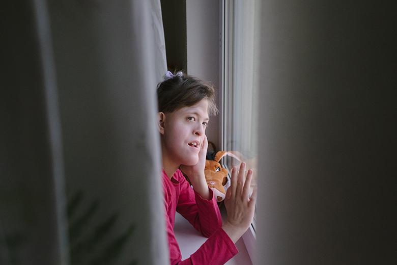 В 15 лет Настя начала учиться в специализированной школе, съездила в летний лагерь, побывала в зоопарке, ездила на поезде и на машине