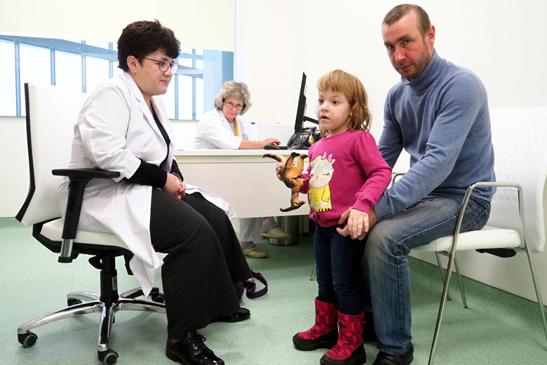 Когда Дима узнал, что дочь можно спасти от смерти, он за три месяца собрал деньги на лечение в клинике Хадасса